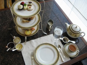 Table Setting (image from HighTea.com) & Afternoon Tea at The Peninsula Hotel Chicago