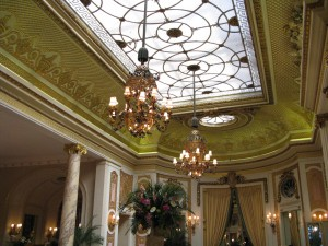 Glazed Glass Ceiling of the Palm Court (image credit HighTea.com)