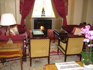 Withdrawing Room at The Lanesborough (image credit HighTea.com)