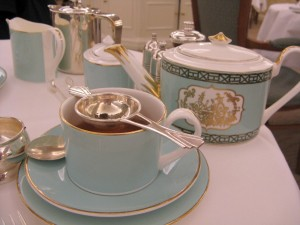 High Tea Table Setting at Fortnum and Mason ©HighTea.com