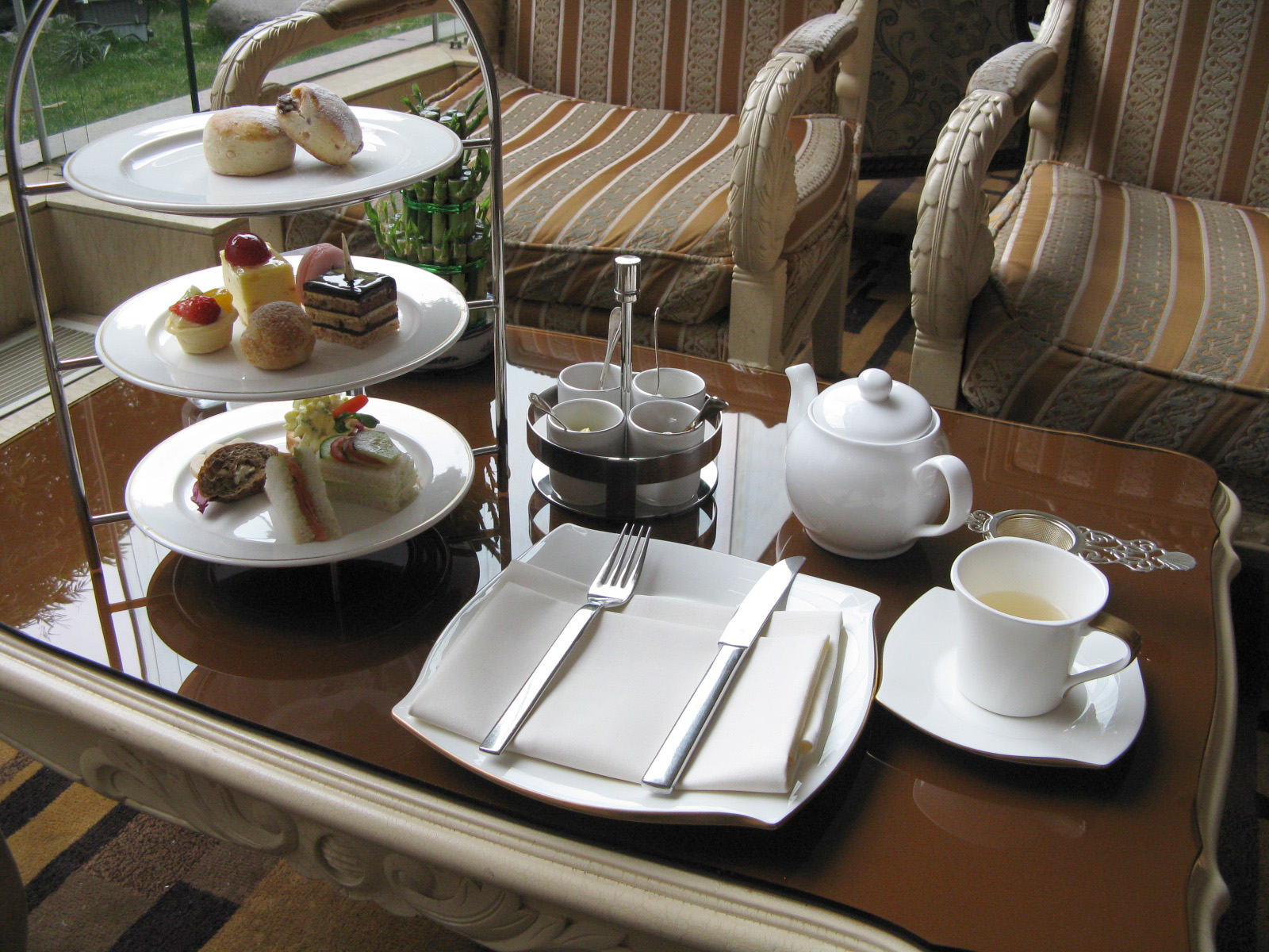 Tea Table Setting : Afternoon Tea Table Setting